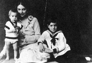 Con los dos hijos de su primer matrimonio