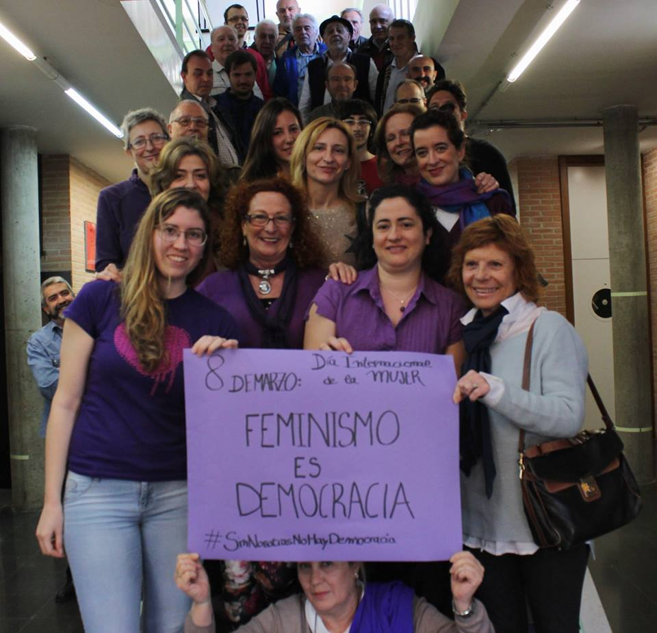 Pie de foto: Candidat@s y simpatizantes de la CCM posaron conjuntamente celebrando el Día de la Mujer