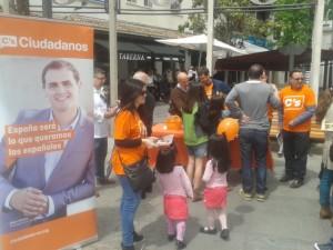 El partido de Albert Rivera invitó a salmorejo en las calles de MJD