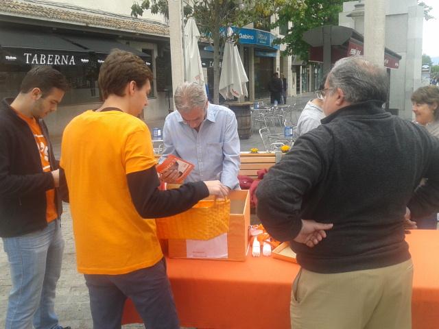 """Alfonso Reina prepara su """"mesa electoral"""" en las calles majariegas este fin de semana"""