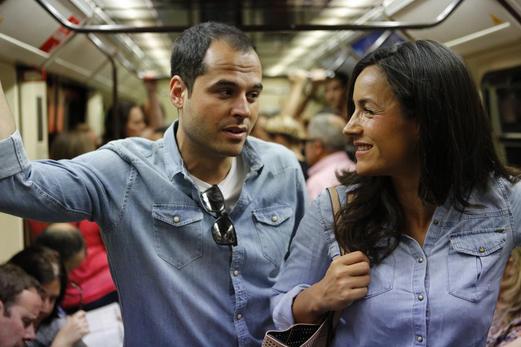 Ignacio Aguado con Begoña Villacís en el metro de Madrid