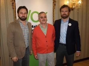 Iván Espinosa junto a Ortega Lara y Santiago Abascal