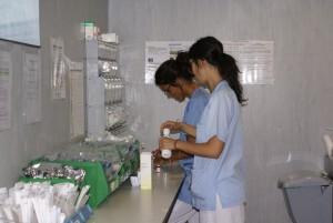 Enfermeras del Puerta de Hierro de Majadahonda trabajando