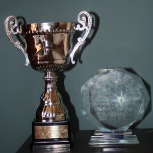 Trofeos del CRM: primer lugar equipo femenino y tercer lugar equipo masculino.