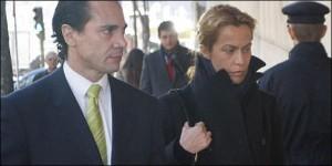 El abogado y ex fiscal Enrique Molina con su cliente Carmen Quijano