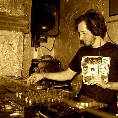 """Gonzalo Zinade, """"DJ Mixtape"""" animará las fiestas patronales MJD 2015"""