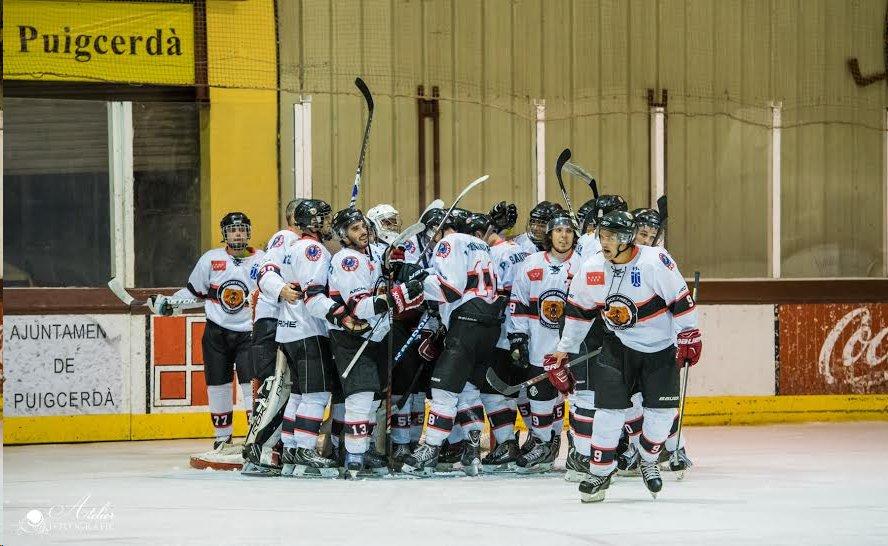 El equipo de hockey hielo SAD Majadahonda en su enfrentamiento frente al Puigcerdá