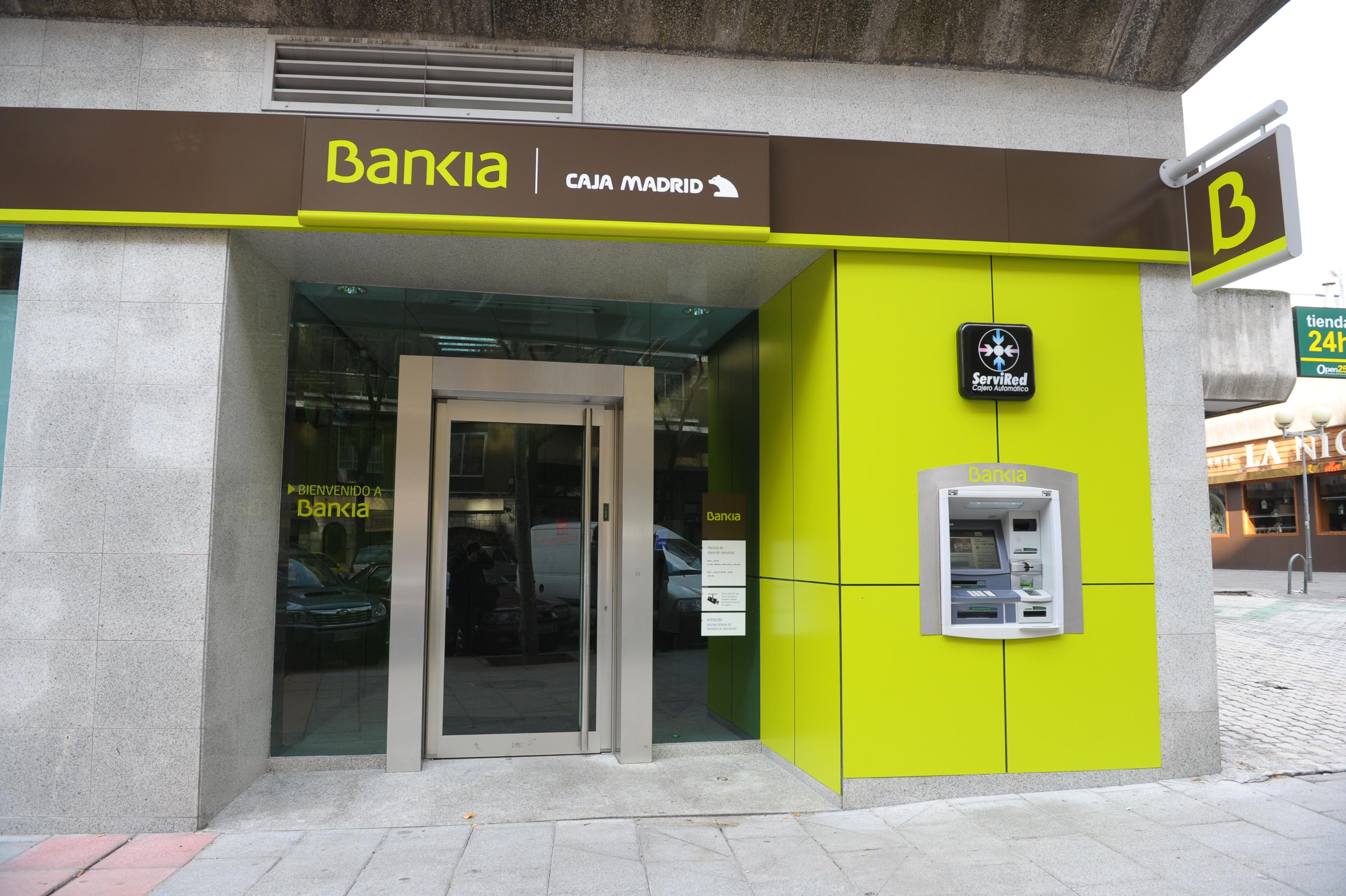La denuncia de dos majariegas contra bankia majadahonda da for Pisos de bancos bankia