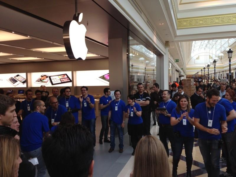 Rateros aficionados fracasan al intentar robar en la tienda apple de majadahonda majadahonda - Cc gran plaza 2 majadahonda ...
