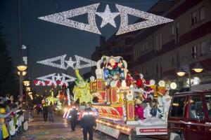 Los Reyes Magos recorrieron en sus carrozas las calles de la ciudad