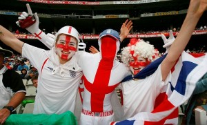 MELBOURNE, AUSTRALIA - DECEMBER 26: English supporters enjoy the atmosphere during day one of the Fourth Test match between Australia and England at Melbourne Cricket Ground on December 26, 2010 in Melbourne, Australia. (Photo by Scott Barbour/Getty Images)