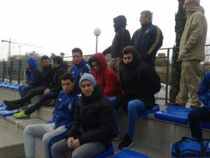 Jugadores del Rayo Majadahonda viendo el partido