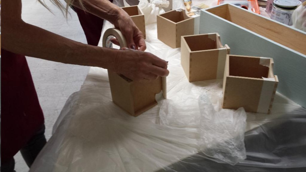 Leroy merlin majadahonda organiza un taller de pintura a - Pintura para madera leroy merlin ...