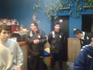 Jony Alba en la cena de confraternidad de las 2 plantillas
