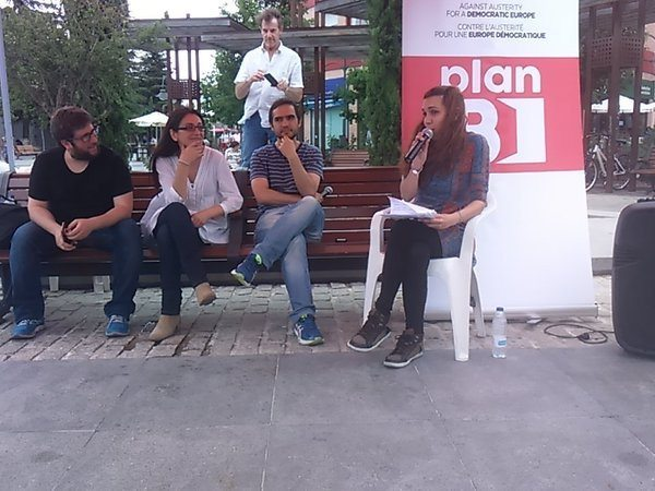 Irene Salcedo (Somos), a la derecha