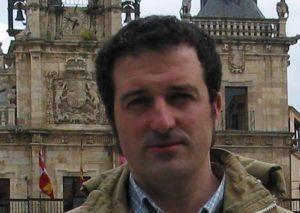ARSENIO GARCIA FUERTES, ASTORGANO LICENCIADO EN FILOSOFIA Y LETRAS, GANADOR DEL RPEMIO EXTRAORDINARIO DE FIN DE CARRERA DE LA ULE, ESTUDIA LA GUERRA DE LA INDEPENDIENCIA EN LEON