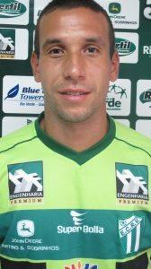 Tiago Portuga_lateral esquerdo