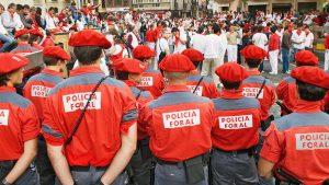 La Policía Foral de Pamplona en un encierro