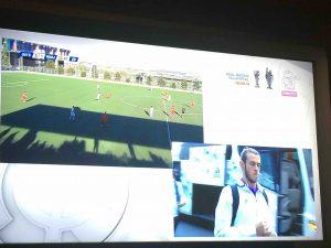 Una doble cámara retransmitió al Rayo Majadahonda y al primer equipo del Real Madrid: Bale, abajo