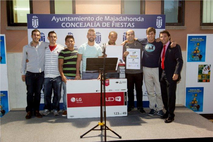 Los ganadores del concurso de tapas 2015 con el concejal Angel Alonso
