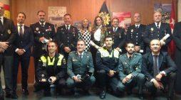 Sofía Isabel de Borbón condecora a 4 guardias civiles y policías de Majadahonda