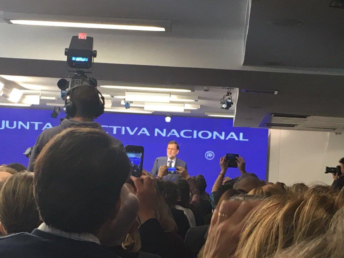 Fotografía de Rajoy en la Junta del PP tomada por Foxá