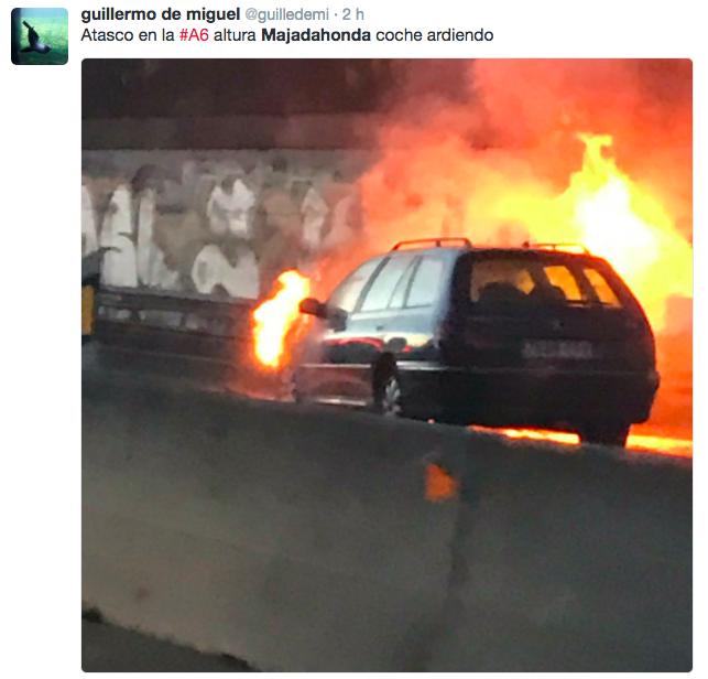 Fotos y vídeos del incendio de 3 coches en la A6 de Majadahonda: caos en Madrid