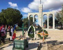 Pasteles, misas y discursos en el Monumento a los Legionarios Rumanos de Majadahonda