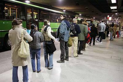 Bloqueo en las negociaciones por la huelga de autobuses del Oeste de Madrid
