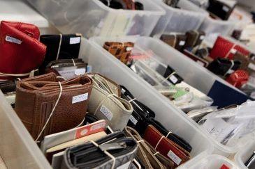 Los vecinos de Majadahonda recuperan un centenar de objetos perdidos