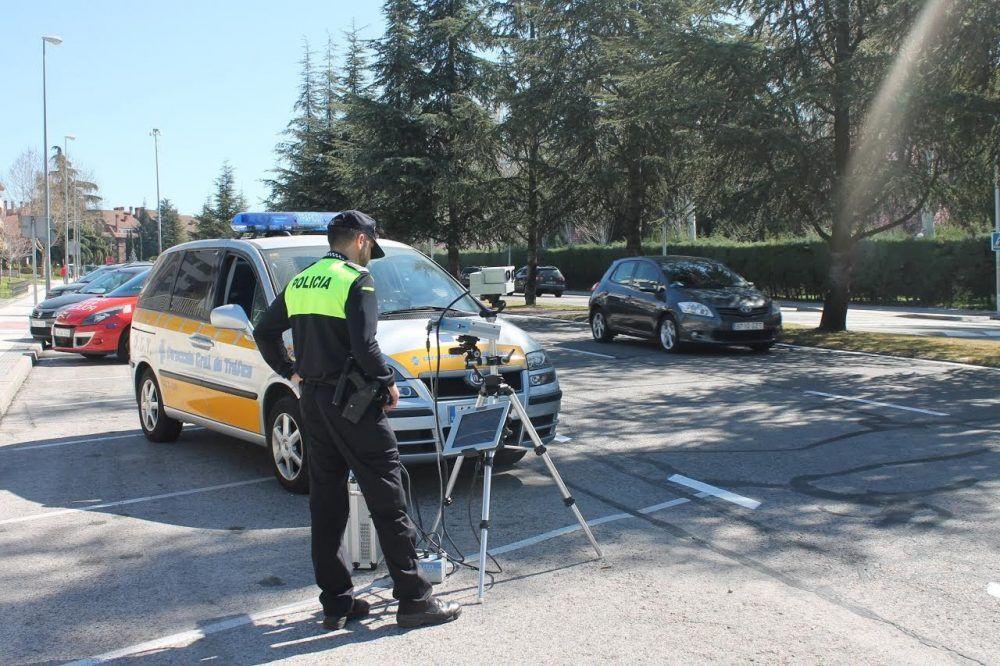 """El coche radar de la DGT regresa a Majadahonda para evitar las """"100 denuncias por exceso de velocidad"""" de 2016"""