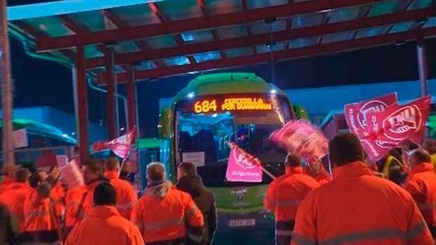 La huelga de autobuses Larrea del noroeste madrileño deja 6 lunas rotas que niega el Comité de Empresa