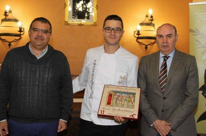 Santiago Sobrino (Mª Zayas Majadahonda) premia la carrillada con boletus y foie en el Concurso Medieval de Sigüenza