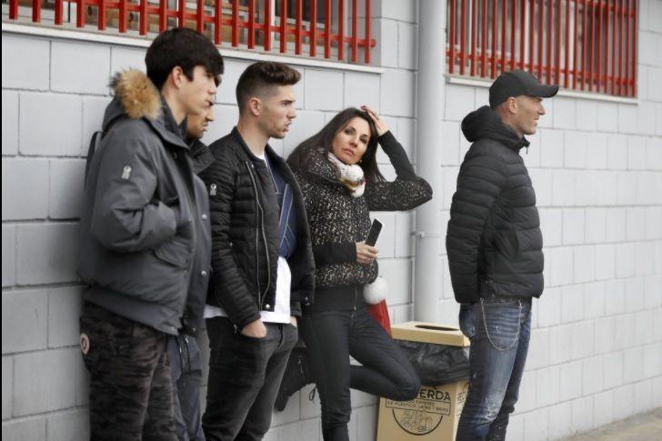 """La familia Zidane acude a Majadahonda para ver a su nueva """"estrella"""": Elías Zidane"""