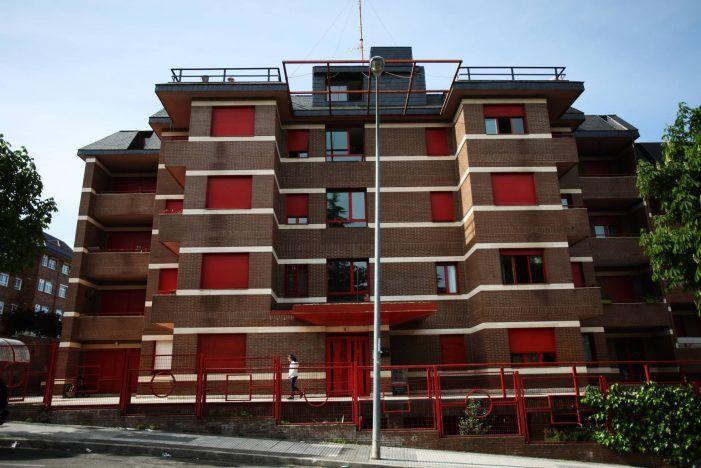 """La Asociación de Vecinos pidió al Gobierno que desalojase a los """"okupas"""" de las Casas Rojas"""