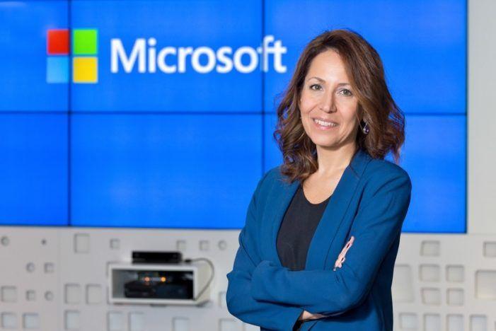 """La """"impactante"""" Ana Alonso (Microsoft) viaja en el tiempo desde Majadahonda con inteligencia artificial"""