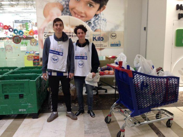 Carrefour Majadahonda y Colegio Mirabal colaboran donando alimentos para los necesitados