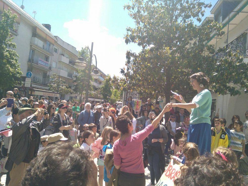 """""""Increíble"""" y """"brutal"""" manifestación por las obras en los colegios públicos de Majadahonda"""