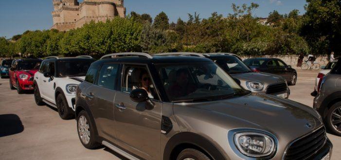"""Movilnorte Majadahonda """"da la salida"""" a más de 40 Minis para recorrer la Sierra de Madrid"""