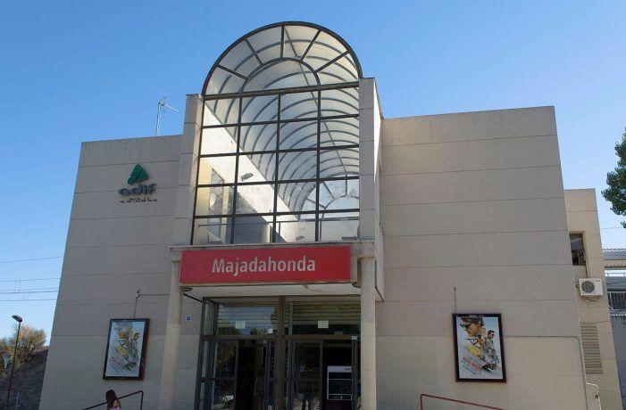 """Foxá anuncia que Renfe inicia la """"urgente"""" reforma de la estación de tren de Majadahonda"""