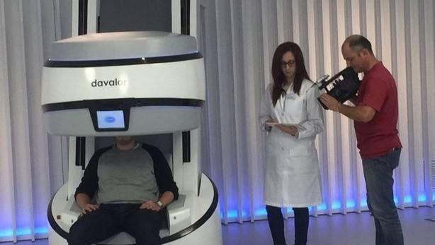 El Gobierno navarro presta 200.000 € para instalar un Evaluador de Visión Automatizado en una óptica del Carralero