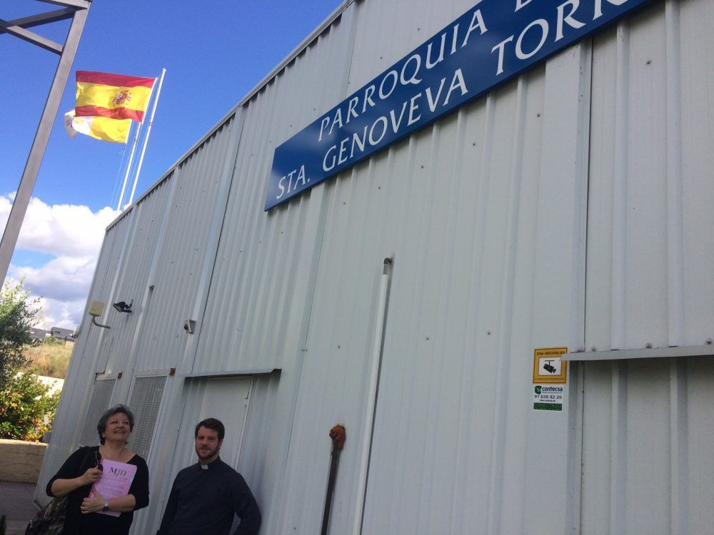 La parroquia de Santa Genoveva celebra su X aniversario y lanza sus campanas al vuelo