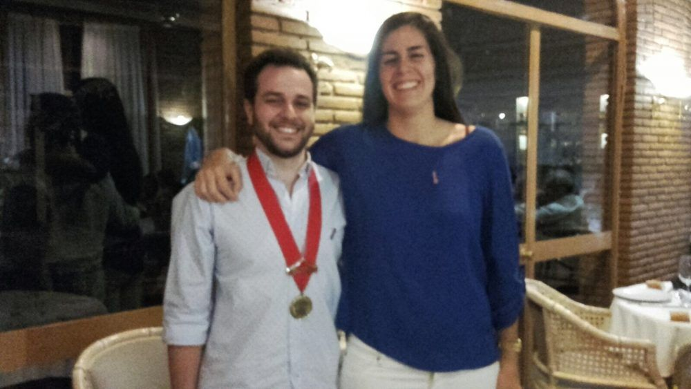 """Marina Montes Niño cede el """"Collar"""" de Rotaract Majadahonda a Jorge Rodríguez"""