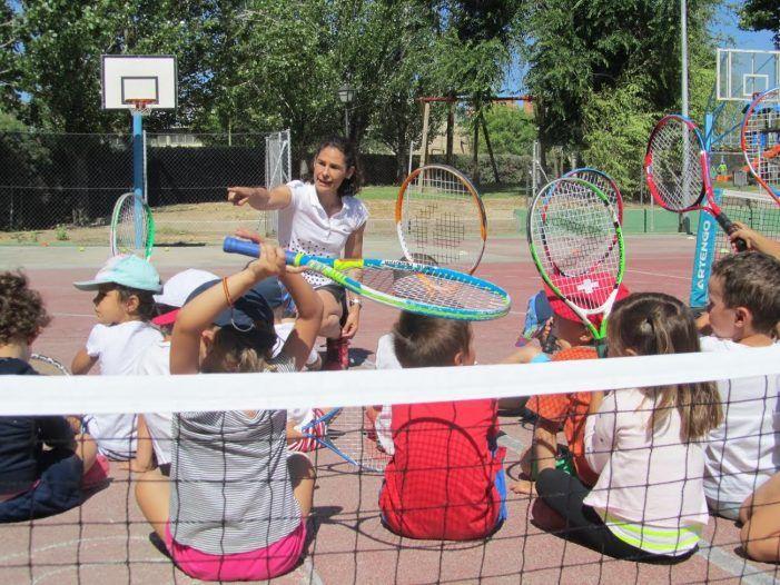 """Tenis: CIT Majadahonda acoge un """"clinic"""" para preparar el torneo de Castilla y León"""