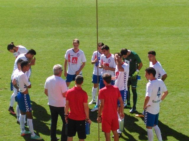 El Alcorcón enmudece a un Rayo Majadahonda que solo compareció la primera parte (0-2)