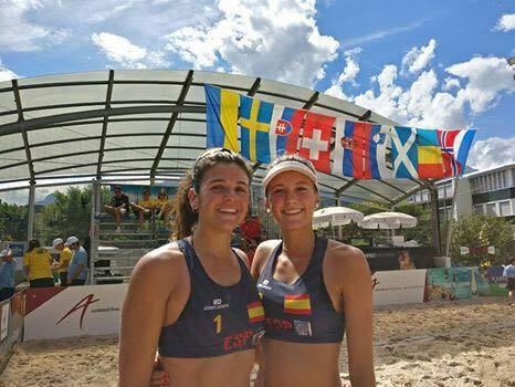 Voley Playa: Tania Moreno y Clara Soler (CV Majadahonda) campeonas en Liechtenstein y Elsa Baquerizo 5ª
