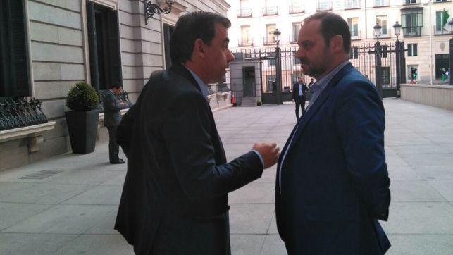 PP y PSOE trasladan a Majadahonda su acuerdo sobre Cataluña y retiran los debates del pleno
