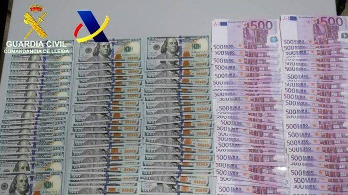 La Guardia Civil requisa 103.000 €  a un vecino de Majadahonda en la aduana de Andorra