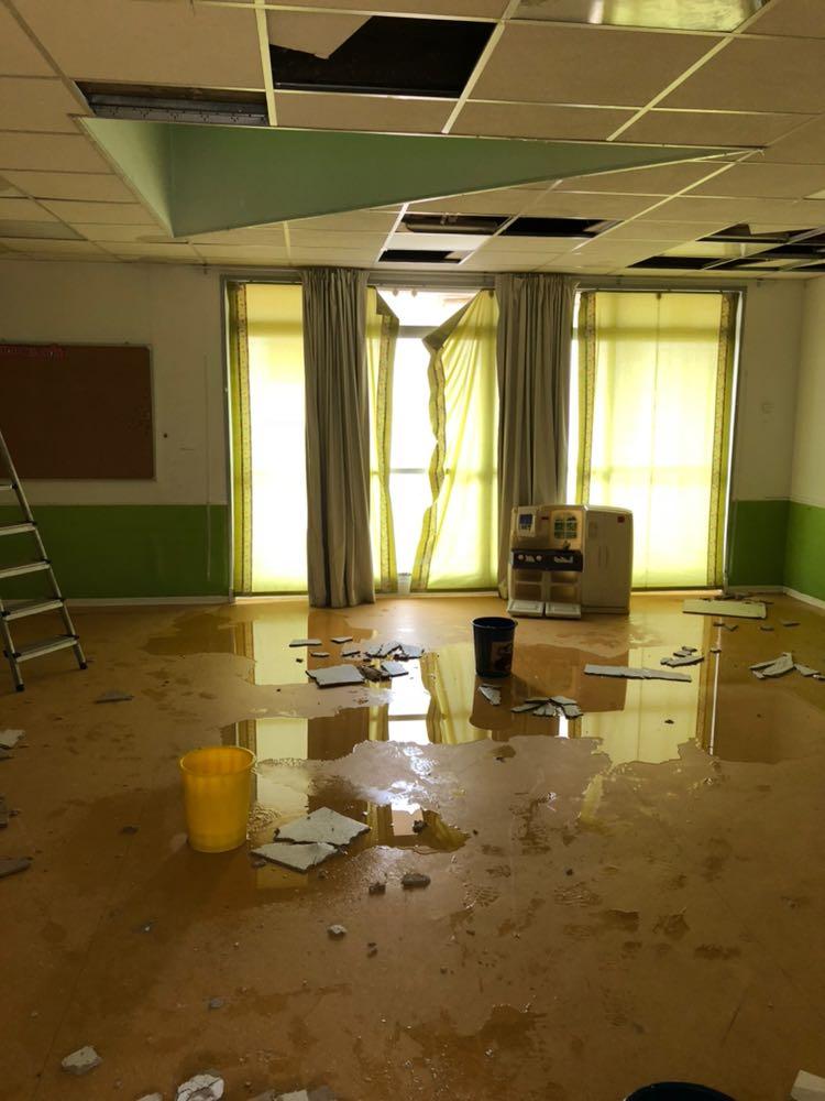 Una maestra de Majadahonda alerta de la caída del techo de una escuela: 34 niños evacuados