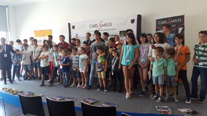 """Jóvenes pacientes de Majadahonda saltan a los medios tras participar en """"Cars for Smiles"""""""